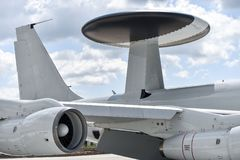 Radarowa antena na militarnym samolocie Fotografia Stock