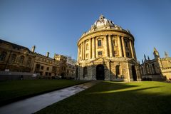 Radcliffe camera is a building of Oxford University, England, designed by James Gibbs in neo-classical style and built in 1737. –49 to house the Radcliffe Royalty Free Stock Photography