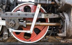 Raddetail einer Dampfzuglokomotive Stockbilder
