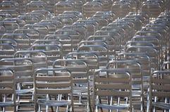 Raddor tömmer stolar - inga åhörare Arkivbild