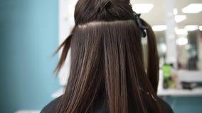 Raddrizzamento malato, tagliato e sano di cura di capelli Prima e dopo il trattamento archivi video
