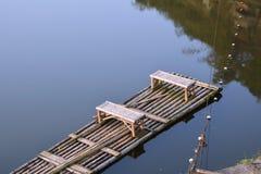 radeau sur l'eau Images libres de droits