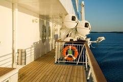 Radeaux de sauvetage sur le bateau de croisière photo libre de droits
