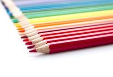 Raden av versicolor blyertspennor Fotografering för Bildbyråer
