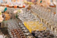 Rader av alkoholdrycker Royaltyfri Fotografi