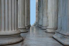 Rader av grekiska kolonner Arkivfoton
