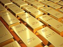 Rader av skinande guld- guldtacka Arkivfoto