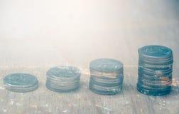 Rader av thailändska mynt Royaltyfri Fotografi