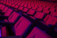 Rader av tomma teaterplatser Arkivbilder