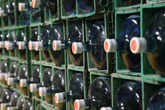 Rader av vattenkylareflaskor Royaltyfri Fotografi
