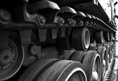 Radertjes in de spoorassemblage van een WW2 tank royalty-vrije stock foto