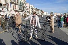 Radfahren durch Geschichtenereignis in den Imperia Stockbild