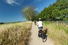 Radfahren in Natur Stockfotografie