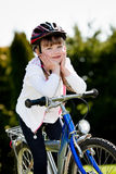 Radfahrendes Mädchen Lizenzfreie Stockfotos