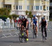 Radfahrenfestival Eastbournes - 4. Kategorien-Straßenrennen stockfoto