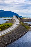 Radfahrer Atlantik-Straße zwei auf Motorrädern Stockfoto