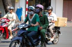 Radfahrer auf der Straße Stockfotos