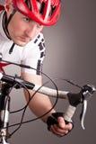 Radfahrer auf einem Fahrrad Lizenzfreies Stockbild