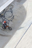 Radfahrer auf Fahrrad Stockfoto