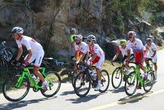 Radfahrer reiten während Radfahren-Straßenwettbewerbs Rio-2016 des olympischen des Rios 2016 Olympische Spiele in Rio de Janeiro Lizenzfreie Stockfotos