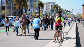 Radfahrer in San Francisco, Kalifornien, USA, stock footage