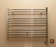 Radiador de toalha do banheiro Fotografia de Stock Royalty Free