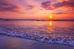Free Radiant Sea Beach Sunset Royalty Free Stock Photos - 128847098