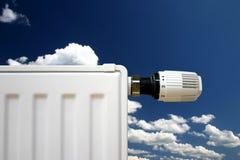 Radiatore su un cielo blu Fotografia Stock Libera da Diritti