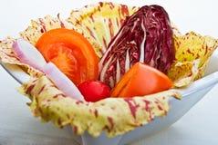 Radicchio y ensalada del tomate Imágenes de archivo libres de regalías