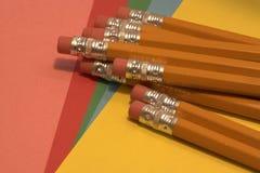 Radiergummi überstieg Bleistifte Stockfotos