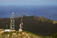 Radio antenne op berg Royalty-vrije Stock Foto's