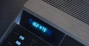 Radio con advertencias del tiempo Fotos de archivo libres de regalías