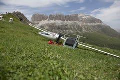 Radio gecontroleerd modelvliegtuig tijdens de vlucht Stock Foto's