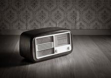Radio pasada de moda Fotos de archivo libres de regalías