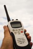 Radio tenue dans la main Images libres de droits