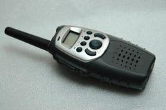Radio tenue dans la main de fréquence ultra-haute Images libres de droits