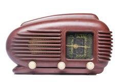 Radio vieja en el fondo blanco Fotos de archivo libres de regalías