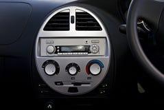 Radio y acondicionador de aire de coche   fotos de archivo