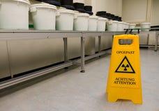 Radioactivitytecken arkivbild