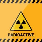 Radioaktiv zon, vektortecken eller symbol Radioaktiv zon för varning i triangelsymbolen som isoleras på gul bakgrund med band rad Royaltyfri Bild