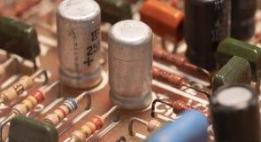 Radiocomponenten op een gedrukte kringsraad royalty-vrije stock foto