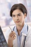 Radiografía de examen del doctor Foto de archivo