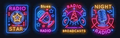 Radioleuchtreklame Glühende Ikonen der Musik, auf Luftnachtlichtemblemen, Audioshowkonzept Vektorneonfunkverbindung lizenzfreie abbildung