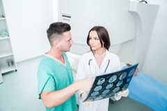 Radiologia, operacja, ludzie i medycyny pojęcie, - kobiet lekarki Obraz Royalty Free