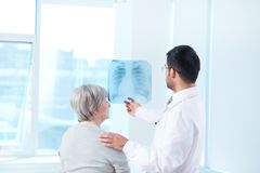 Radiologist with patient Royalty Free Stock Photography