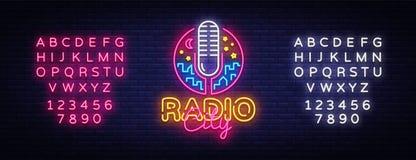 Radioneon Logo Vector Radiosända stadsneontecknet, designmallen, den moderna trenddesignen, nattneonskylten, den ljusa natten royaltyfri illustrationer