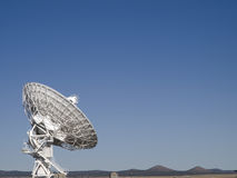 Radiotélescope d'alignement très grand Images stock