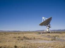 Radiotélescope d'alignement très grand Image stock