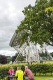 Radiotélescope de banque de Jodrell dans la campagne rurale de Cheshire England Image libre de droits