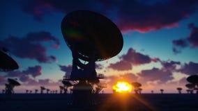 Radiotélescope de grande rangée Temps-faute d'un radiotélescope dans le désert au lever de soleil contre le ciel bleu rendu 3d illustration libre de droits